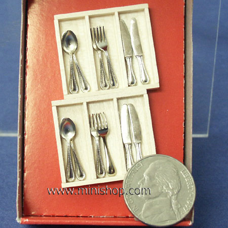 Boxed Silver Cutlery/4 Settings